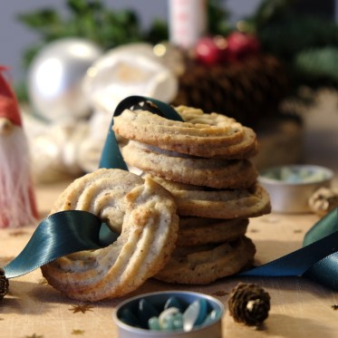 Vaniljekranse, Danish Christmas cookies