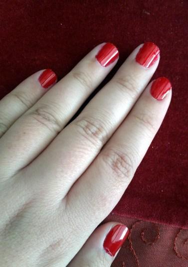 Easy DIY Tartan Christmas Nails