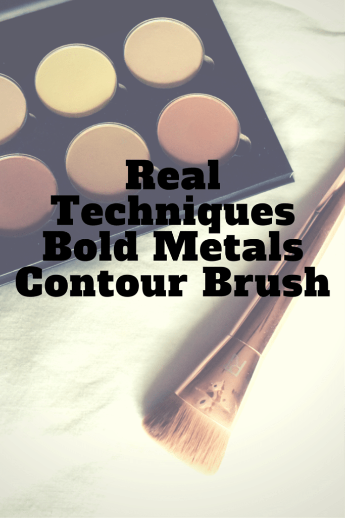 Real Techniques Bold Metals Contour Brush Review