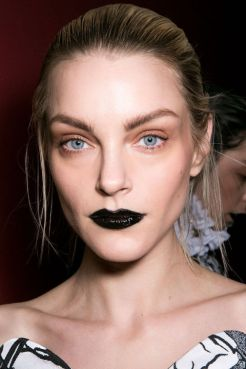 2015 Fall Beauty Trends straight from the runway!