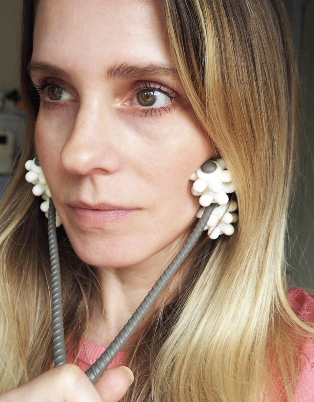 Get glowing with Sarah Chapman Skinesis Facialift tool