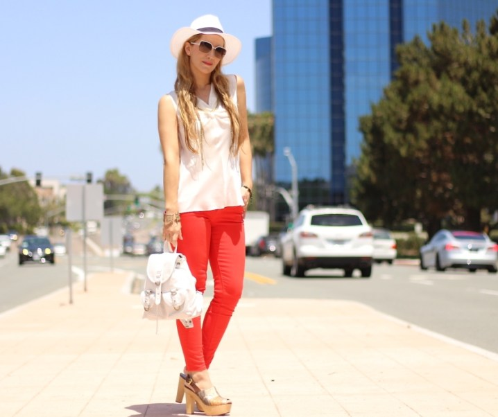 COLORED JEANS FOR SPRING-SUMMER