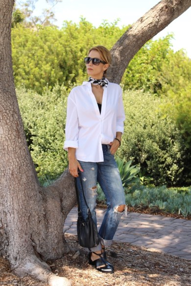 woman wearing a weekend look with men's clothes