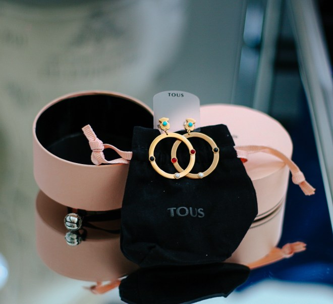 Looking for a beautiful earrings for women? Tous has a wonderful collection.