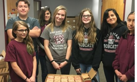 """KINGMAN – Middle School National Junior Honor Society's """"Penny War"""" for WAHS."""