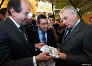 La fameuse remise du pacte de solidarité par le président de Heineken France