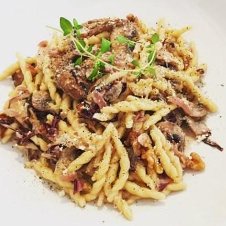 Creamy Pasta with Mushrooms, Radicchio & Walnuts - The Beginner's Cookbook