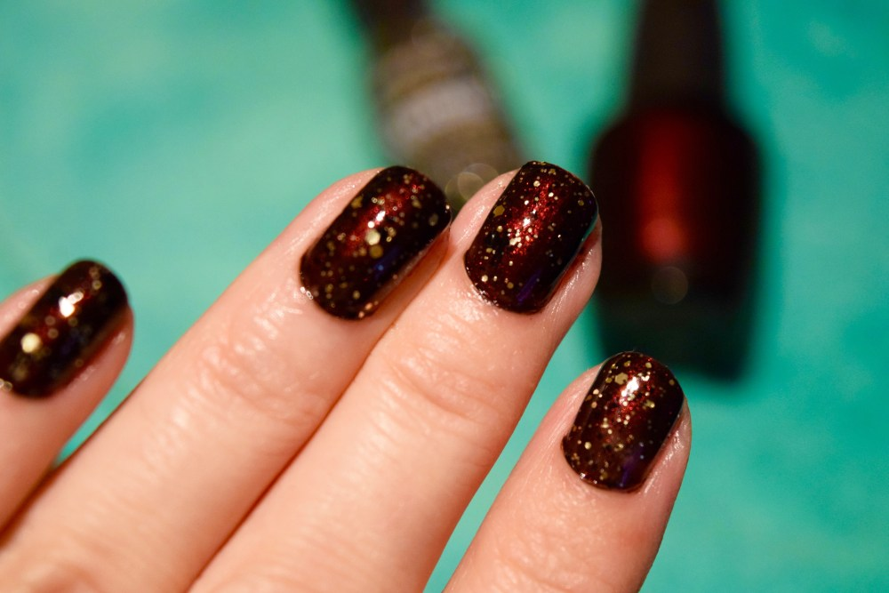 festive-manicure