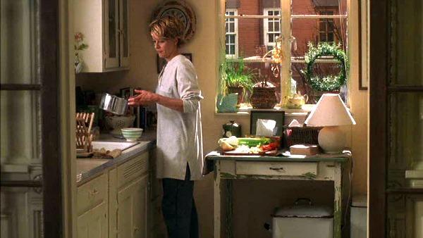 Meg-Ryans-brownstone-kitchen-Youve-Got-Mail