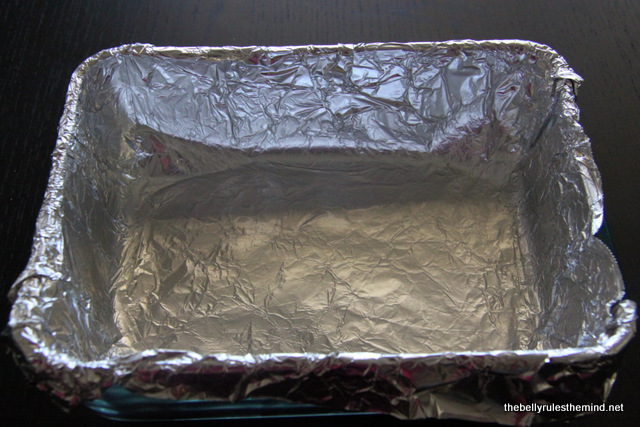Cover an 8 inch dish with aluminium foil and grease it wth butter