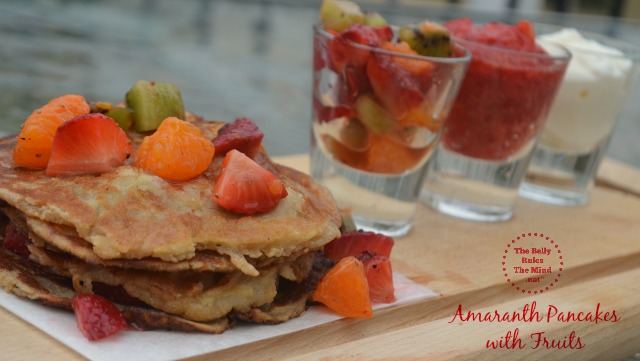 Amaranth pancake with fruits