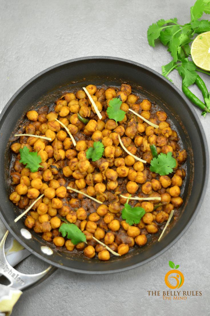 Pindi Chole (Indian Style Dry Garbanzo Beans )