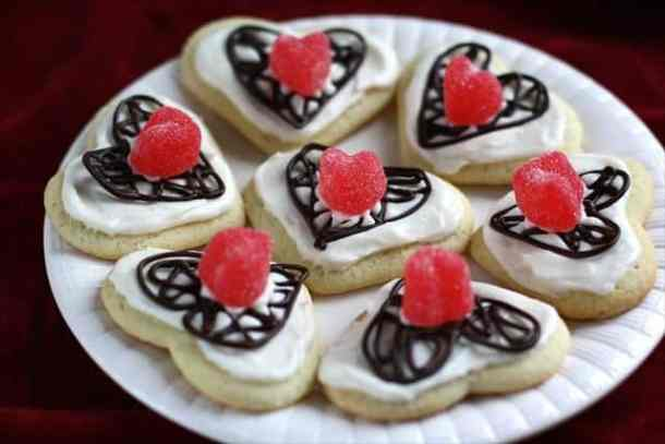 Valentine Chocolate Lattice Sugar Cookies -- Part of the Best Valentine's Day Cookies