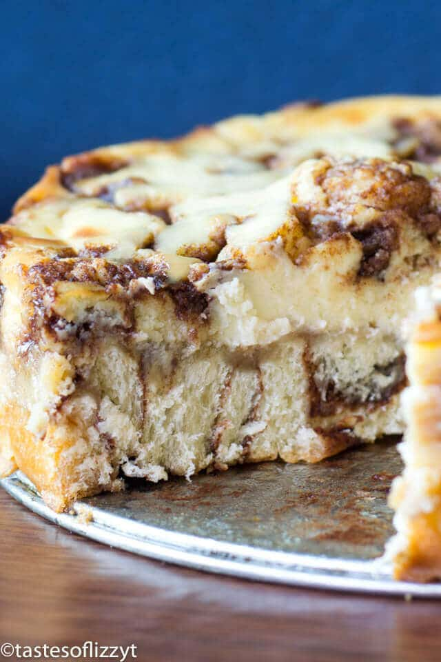 With cinnamon swirled cream cheese and a cinnamon roll crust, this Cinnamon Roll Cheesecake will quickly become your favorite dessert recipe (or even breakfast!)