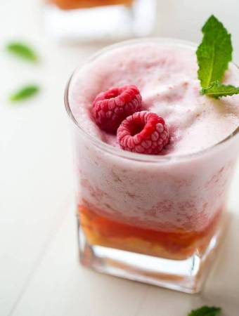 Frosted Raspberry Lemonade with Peaches (High Protein)