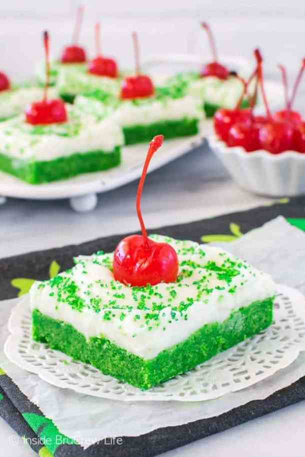 Shamrock Shake Sugar Cookie Bars -- Part of The Best St. Patrick's Day Recipe