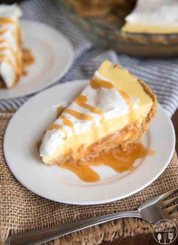 CARAMEL BANANA CREAM PIE -- Part of our 18 Recipes that prove that CARAMEL and BANANAS were meant to go together!