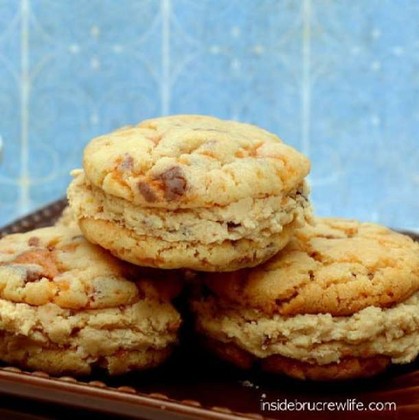 Butterfinger Whoopie Pie -- Part of The Best Butterfinger Recipes