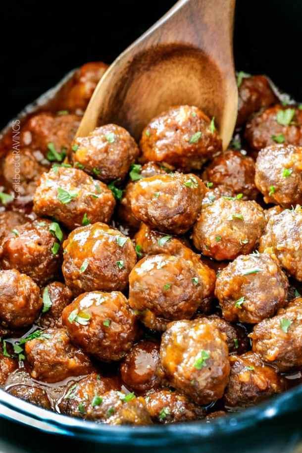 Slow Cooker Honey Buffalo Meatballs --Part of 25+ Favorite Buffalo Flavored Recipes