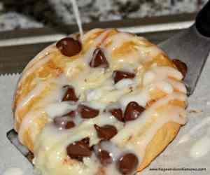 Easy Chocolate Chip Cheese Danish