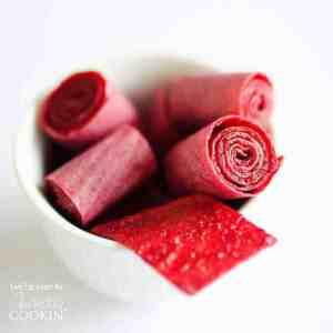 Easy Homemade Fruit Roll Ups