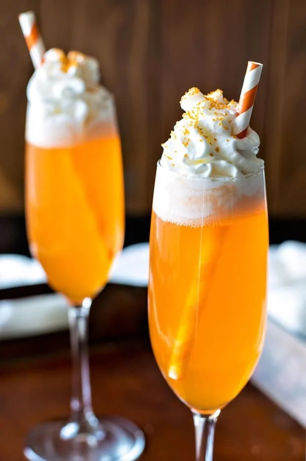 If you like the popsicle, you'll love this creamsicle drink! A delicious cocktail that'll be festive throughout all holiday seasons.