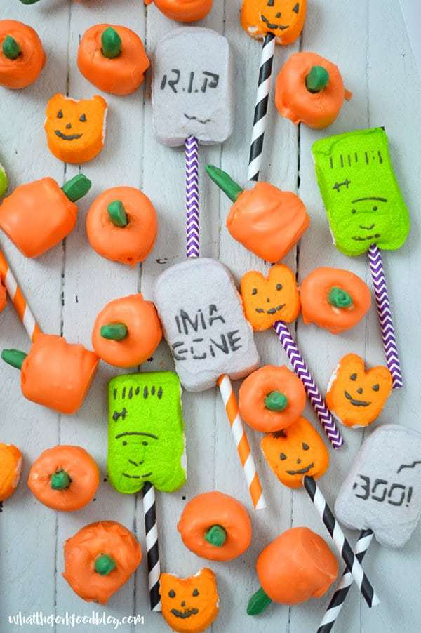 These fun pumpkin marshmallow pops are perfect for Fall orHalloween Parties or even Thanksgiving. They're cute, festive, and easy to make!