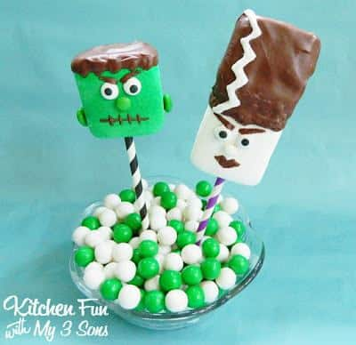 We always love making Halloween goodies and had a blasts making these super easyFrankenstein & his Bride Marshmallow Popstoday! These would be cute to take in for class parties at school and give Frankenstein to the boys & The Bride of Frankenstein to the girls.