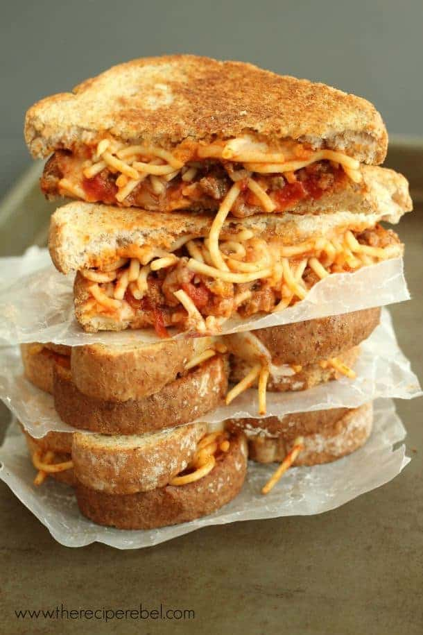 16 Spaghetti and Garlic Toast Grilled Cheese