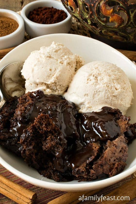 So with Cinco de Mayo celebrations coming, we thought it was the perfect opportunity to play around a little with the recipe by adding some spices and seasonings – and our Mexican Hot Fudge Pudding Cake is the very delicious result