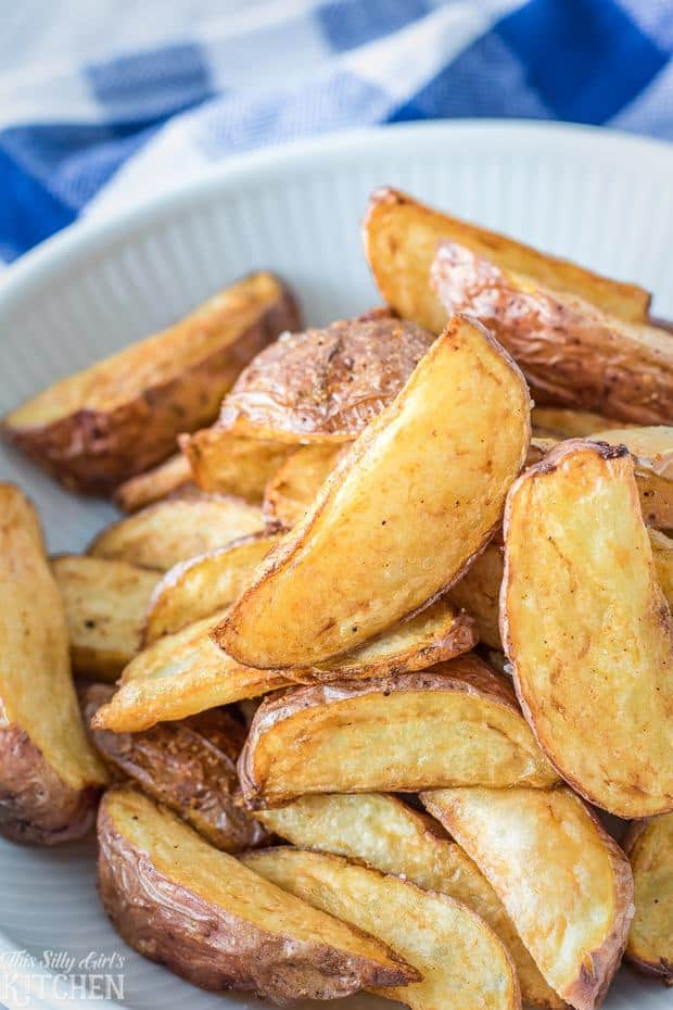 Fried red potato wedges, only 3 ingredients and ready in under 15 minutes!