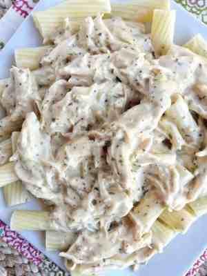 Slow Cooker Italian Chicken Alfredo