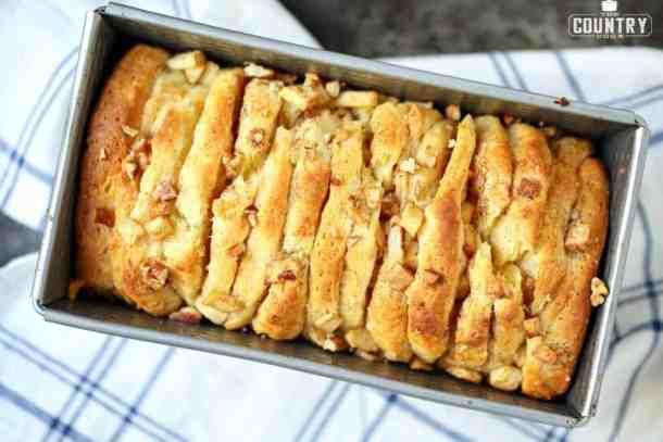 Cinnamon Apple Pull-Apart Bread--Part of The Best Pull Apart Bread Recipes