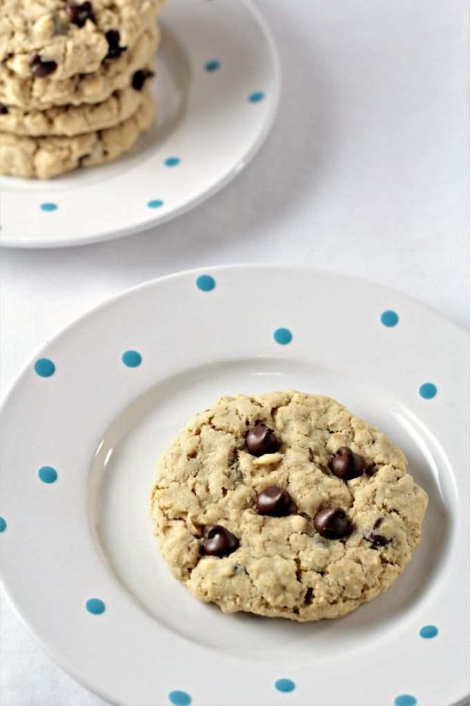 BIG Oatmeal Chocolate Chip Cookies Recipe
