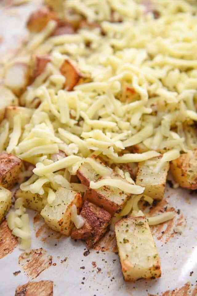 Oven Baked Cheesy Potatoes Recipe