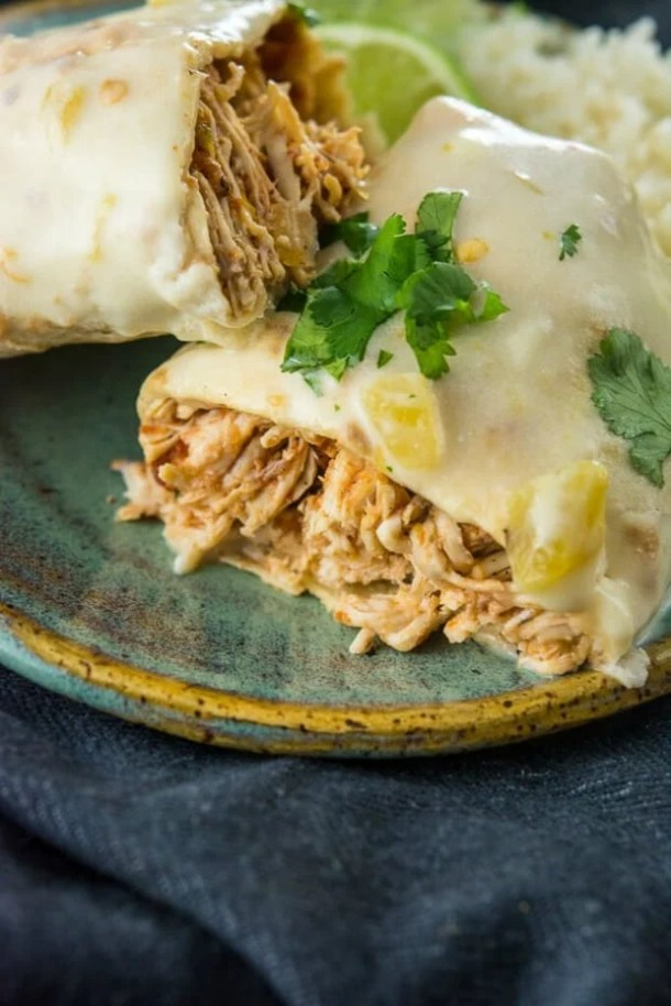 SLOW COOKER SMOTHERED CHICKEN BURRITOS---part of 20+ Easy Weeknight Mexican Chicken Dinner Recipes