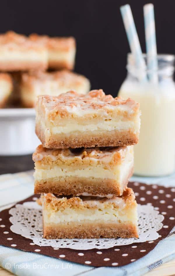 Eggnog Cheesecake Crumble Bars Recipe