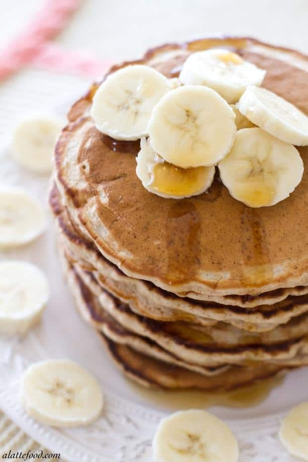 {Fluffy} Honey Banana Pancakes: These thick pancakes are light, fluffy, and filled with tons of honey banana flavor! Breakfast of champions.