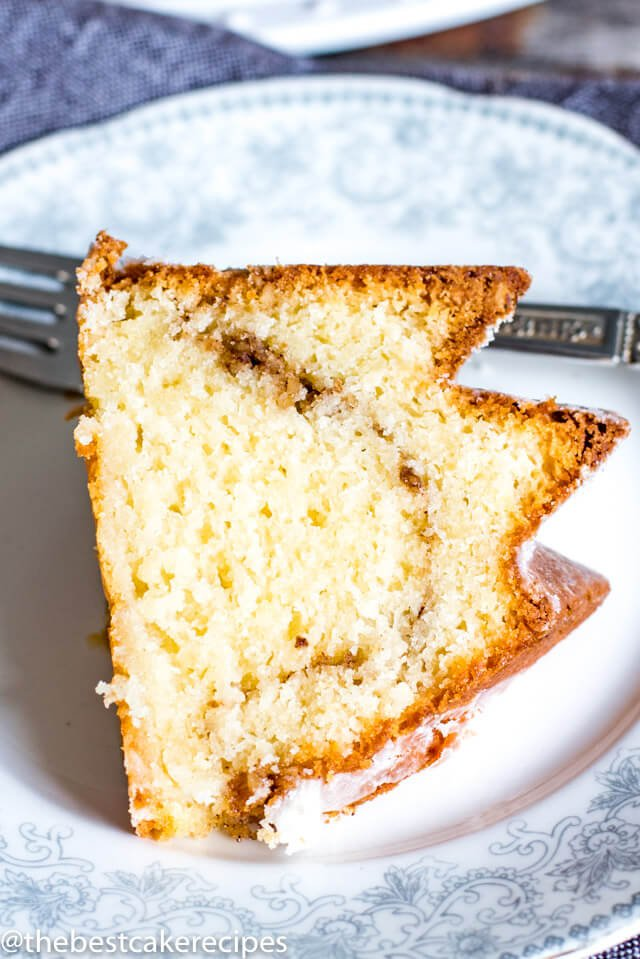 easy sour cream coffee cake on a plate