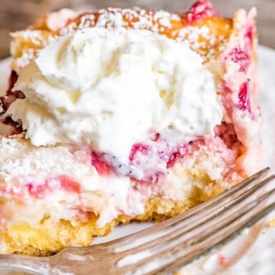 Strawberry Lemonade Gooey Butter Cake