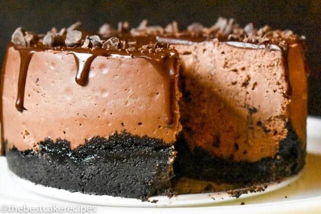 chocolate cheesecake with an oreo crust