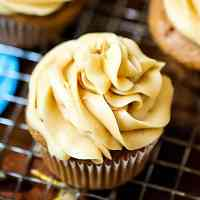 caramel frosting cucpakes
