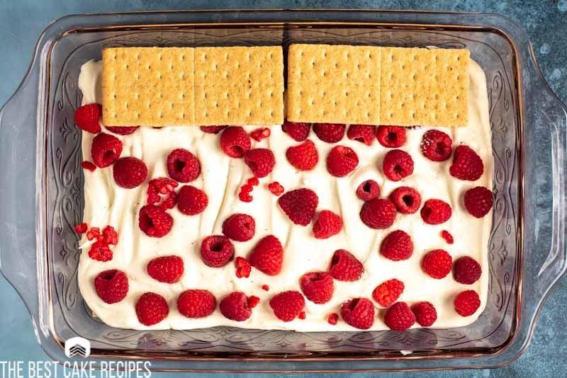 icebox cake with graham crackers