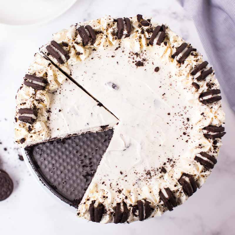 oreo cheesecake with one slice out