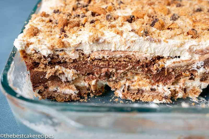 sliced chocolate cookie icebox cake
