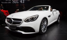 2017-Mercedes-Benz-SLC-show-floor-101-876x535