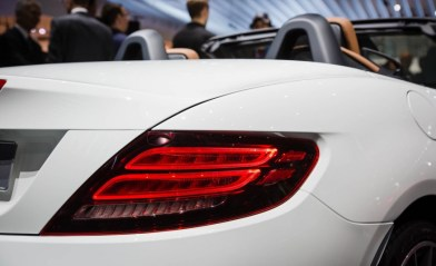 2017-Mercedes-Benz-SLC-show-floor-104-876x535