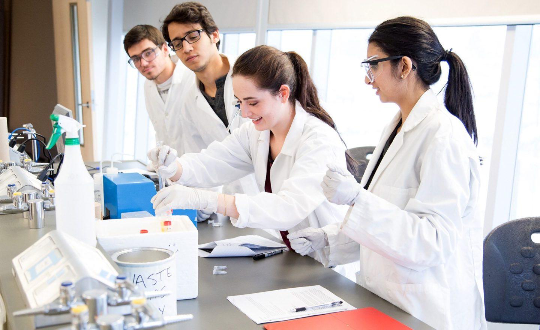 Students-Lab-1800x1100-1800x1100.jpg