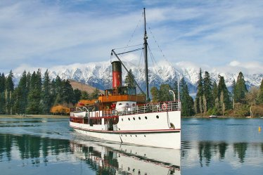 new-zealand-queenstown-top-things-to-do-cruise-tss-earnslaw