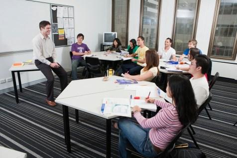 02-Navitas-English-Sydney-classroom
